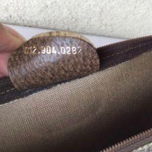 Gucci Bags - Authentic Gucci Portfolio/Large Clutch/Cosmetic